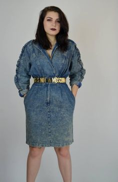Incredible 1980s acid wash dress! Done in a thick cotton denim. Metal zipper fly on skirt. Wrap waist that locks in place with two metal clips. Some stretch at waistline. No closures on the bodice. Unlined. Fitted skirt with center back slit.  Size: Medium Tag: 9 Brand: Joni Blair  Excellent Vintage Condition  Measurements: Bust: up to 44 Waist: 30 - 33 Hips: 42 Length: 38.5 Sleeve: about 14.5 unrolled ( underarm measurement)  Heathers Measurements: Bust: 37.5 Waist: 29 Hips: 38 Height: 53…
