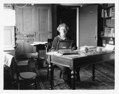 vintage everyday: Women in Science – 51 Historical Vintage Pictures of American Female Scientists at Work