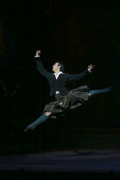 Queensland Ballet Guest Artist Qi Huan in Peter Schaufuss' La Sylphide Photographer David Kelly