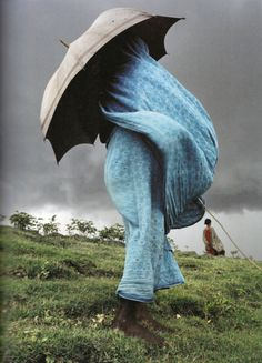Bangladesh by Laurent Weyl -- Portrait - Culture - Blue - Wind - Umbrella - Photography We Are The World, People Of The World, In This World, Foto Fashion, Blue Fashion, Umbrellas Parasols, Under My Umbrella, Blue Umbrella, No Rain