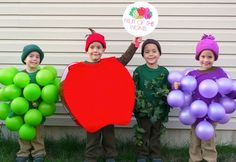 33 Incredible Homemade Halloween Costumes for Kids If there's ever a time to DIY, Halloween is it. Here are 19 inspiring costume ideas to get you started. Costume Fruit, Funny Group Halloween Costumes, Apple Costume, Homemade Halloween Costumes, Halloween Costume Contest, Cute Costumes, Halloween Diy, Holidays Halloween, Costume Ideas