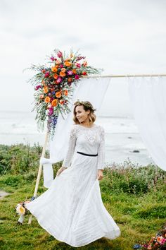Kadin at Photography by Ben and Kadin sent us this spectacular elopement styled shoot set on the colorful, vibrant cliffs of Big Sur, California. The shoot was inspired by the photography duo's love of the stunning Big Sur – a perfect setting for a romantic elopement. The duo did a marvelous job capturing this dazzling …