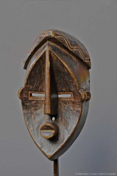 Democratic Republic of Congo, mask Lwalwa, male mask of Mvondo type, characterized by its large right nose going down