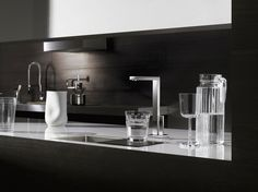 The Lot Design Series brings clear, minimalist shapes to the kitchen. Dornbracht Lot One Piece Kitchen Faucets feature an elegant flat spout. Kitchen Taps, Kitchen And Bath, Dornbracht Tara, Water Filtration System, Water Dispenser, Dream Apartment, Plumbing Fixtures, Küchen Design, Kitchen Styling
