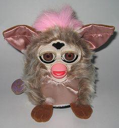 toyarchive.com Furby LargeSilkPinkProto1a.jpg