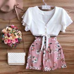 Camisa Branca; Shorts Florido