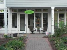 Sweet! Roswell:: Unique candy shop opens in historic Roswell, Ga http://www.hospitalityhighway.com/