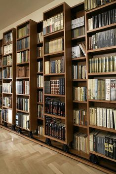 Home Library Decor, Home Libraries, Home Decor, Apartment Interior, Cozy House, Home Office, Teak, Bookcase, Indoor