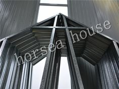 The construction process adopts completely dry construction which produces non construction waste. Construction Waste, Construction Process, Prefabricated Houses, Prefab Homes, Roof Trusses, Steel Buildings, Steel Structure, Framing Materials, Steel Frame