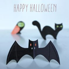Free downloadable Happy Haunting Halloween printable decorations!  https://happythought.co.uk/halloween/halloween-printables  #printables #halloween