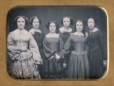 Gorgeous, gorgeous Quarter plate portrait of six women (via Dennis A. Waters Fine Daguerreotypes) looks to me Vintage Photos Women, Antique Photos, Vintage Pictures, Vintage Photographs, Old Pictures, Vintage Images, Old Photos, Vintage Ladies, Victorian Pictures