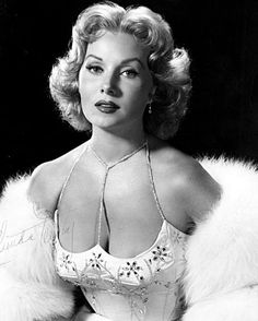 """Rhonda Fleming - the """"Queen of Technicolor"""", one of the most glamorous actresses of the 1940s, she was a true star of the silver screen"""