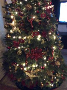 Christmas 49ers tree