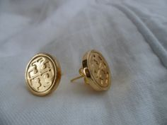 TORY BURCH recycled buttons goldtone metal logo