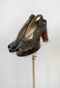 vintage 1940s green platform shoes
