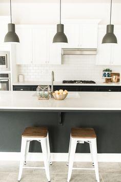 Chic modern kitchen: http://www.stylemepretty.com/living/2016/01/25/modern-bohemian-california-home-tour/ | Photography: Daphne Mae - http://www.daphnemaephotography.com/