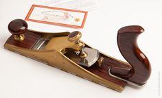 Mint BRIDGE CITY TOOL WORKS CT-11 Low Angle Smooth Plane in its Original Presentation Box Woodworking Hand Planes, Woodworking Chisels, All Tools, Display Cabinets, Antique Tools, Low Angle, Old Wood, Wood Working, Bridge