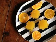 Have you ever made REAL + healthy Jello? It's so easy! Skip those box mixes and whip up a batch of your own delicious Homemade Orange Jello in minutes.