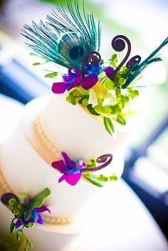 I really like this cake, especially the color scheme.  I just know that I'd want one of those cheesy groom and bride cake toppers.