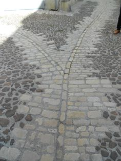 More sett/cobble surfacing from Uzes in France, this just works so well and looks gorgeous.