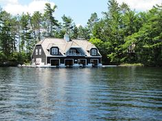 Sept 5 - Old Woman Island - gone viral Love Boat, Floating House, Log Cabin Homes, Cottage Living, My Land, Old Women, Future House, Muskoka Cottages, Mansions