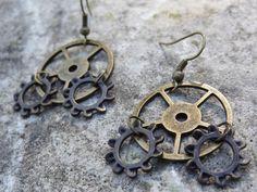 Bronze-toned Gear Steampunk Earrings