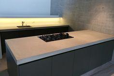 Concrete kitchen anthracite by dade-design.com