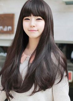 Sleek and long baby doll hair with bangs. on The Fashion Time  http://thefashiontime.com/5-best-korean-hairstyles-long-hair/#sg6