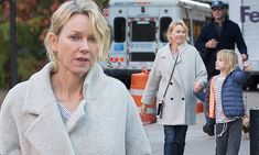 Makeup free Naomi Watts picks sons up from school with Liev Schreiber