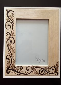 A lovely frame with a hand burned leaf design, looks striking with a picture in . - A lovely frame with a hand burned leaf design, looks striking with a picture in . Wood Burning Tips, Wood Burning Crafts, Wood Burning Patterns, Dyi Crafts, Frame Crafts, Wood Crafts, Wood Burning Stencils, Pyrography Patterns, Wood Picture Frames