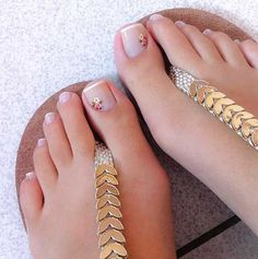 105 splendid french manicure designs classic nail art jazzed up -page 11 > Homemytri. Simple Toe Nails, Pretty Toe Nails, Cute Toe Nails, Summer Toe Nails, Cute Toes, Pretty Toes, French Manicure Designs, Pedicure Designs, Pedicure Nail Art