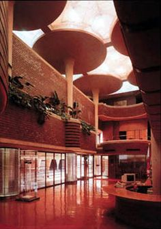 S.C. Johnson & Sons Administration Building, Racine, Wisconsin. Designed by Frank Lloyd Wright, built in 1936.