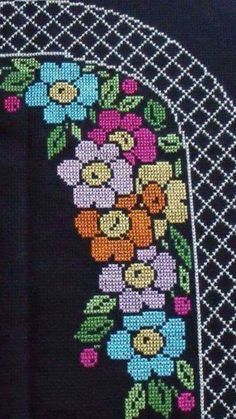 African Fashion, Alphabet, Sewing Patterns, Projects To Try, Cross Stitch, Tapestry, Lace, Fictional Characters, Stitches