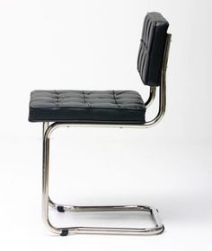 Bauhaus chair black