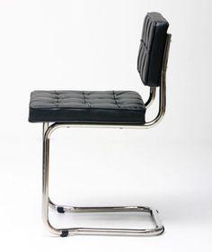 Bauhaus chair black