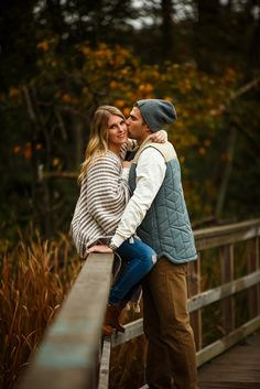 Outdoor autumn fall colours engagement session.
