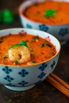 Pikantna zupa z krewetkami Thai Style, Thai Red Curry, Salads, Food And Drink, Menu, Cooking, Ethnic Recipes, Impreza, Gastronomia