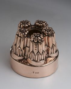 English, copper mould round stamped # 280 5 round peaks -circa 1880