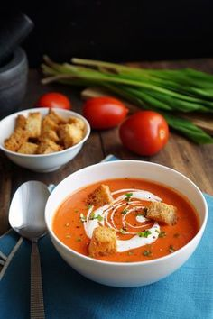 The best tomato soup recipe! Best Tomato Soup, Tomato Soup Recipes, Asian Recipes, Healthy Recipes, Ethnic Recipes, Spa Food, Food Porn, Food Carving, Soup And Sandwich