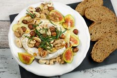 Ofenkäse mit Nüssen und Feigen - Gaumenfreundin - Foodblog aus Köln mit leckeren Rezepten von der schnellen Küche bis Low Carb