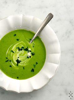 chilled green garbanzo, basil & leek soup