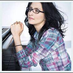 Shazam で アンジェラ・アキ の 手紙~拝啓十五の君へ~合唱バージョン を見つけました。聴いてみて: http://www.shazam.com/discover/track/46711872