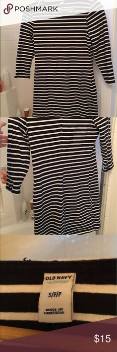 Old Navy Striped Dress Sailor-inspired navy and white striped dress. Cotton stretch fabric, knee length. 3/4 sleeves with cute button details. Old Navy Dresses Mini
