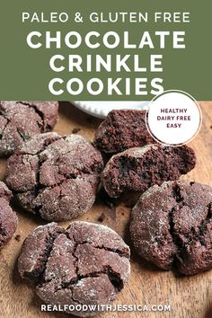 These Paleo Chocolate Crinkle Cookies are rich, thick and so delicious! Gluten free, dairy free, and naturally sweetened. Paleo Dessert, Keks Dessert, Dessert Recipes, Paleo Menu, Paleo Diet, Dinner Recipes, Paleo Recipes Easy, Real Food Recipes, Cookie Recipes