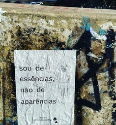 Urban Poetry, Street Quotes, Graffiti, Frases Humor, Some Quotes, Don't Give Up, Some Words, In My Feelings, Positive Vibes
