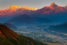 Sunrise in Nepal - Mountains of fire