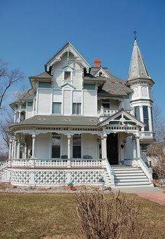 HOUSE Victorian Gothic, Victorian Fashion, Victorian Style Homes, Victorian Houses, Victorian Buildings, Beautiful Buildings, Beautiful Homes, Victorian Architecture, Casa Ideal