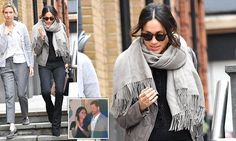 Meghan Markle spotted Christmas shopping in London