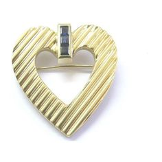Pre-owned Tiffany & Co. 18K Yellow Gold Blue Sapphire Heart Pin Brooch ($2,550) ❤ liked on Polyvore featuring jewelry, brooches, pin jewelry, pin brooch, blue sapphire jewelry, gold jewellery and pre owned jewelry