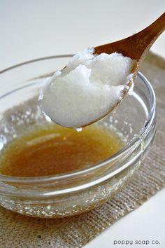 Aceite virgen de coco Miel cruda Tazón mezclador Cuchara Deje reposar la mezcla sobre el rostro durante 15 minutos y luego enjuague suavemente con agua tibia - acaricia la cara para secarse.